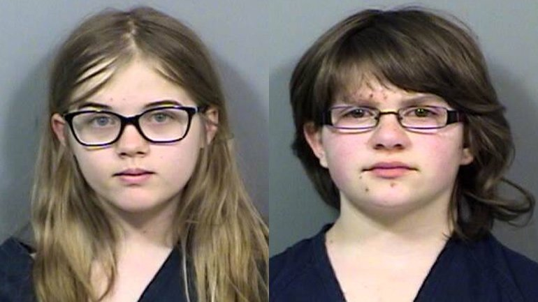 12 Year Old Girls Stab Friend To Please Slender Man
