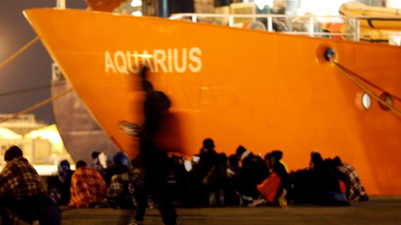 Salvini keeps his promise! Italy shuts down ports and turns back refugee ship