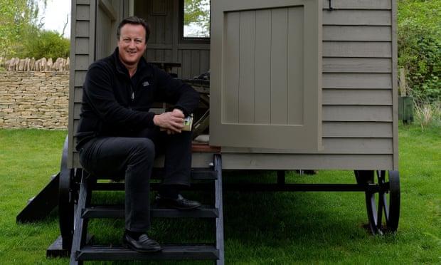 David Cameron wants back intopolitics?
